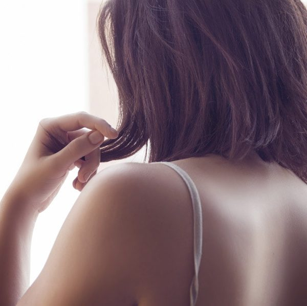 医療用のウィッグに使用する人工毛髪。