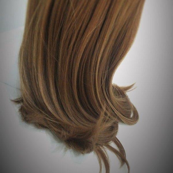 医療用ウィッグや部分ウィッグ、女性用ヘアピースの毛髪の縮れ