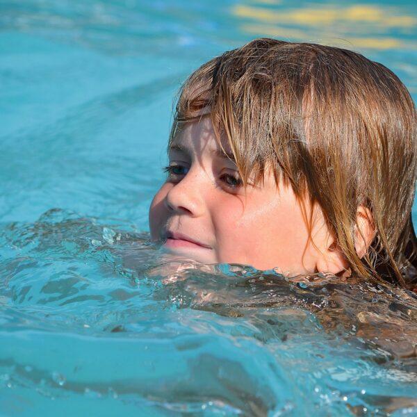 夏のウィッグの決定版。泳げるウィッグ。